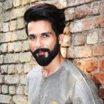 Shahid Kapoor Height, Weight, Age, Wiki, Wife, Family, Biography, Girlfriend And Facts - Shahid Kapoor 1 150x150