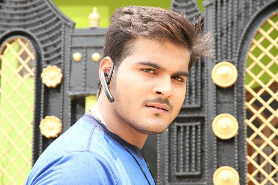 Arvind Akela 'Kallu' Bio, Height, Weight, Age, Family, Girlfriend And Facts - Arvind Akela Kallu HD Wallpaper
