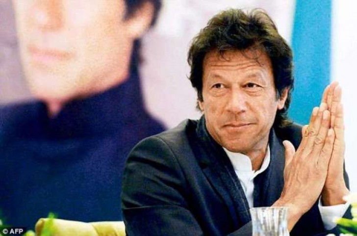 who is the favorite politician imran khan know what the captain answered 10537